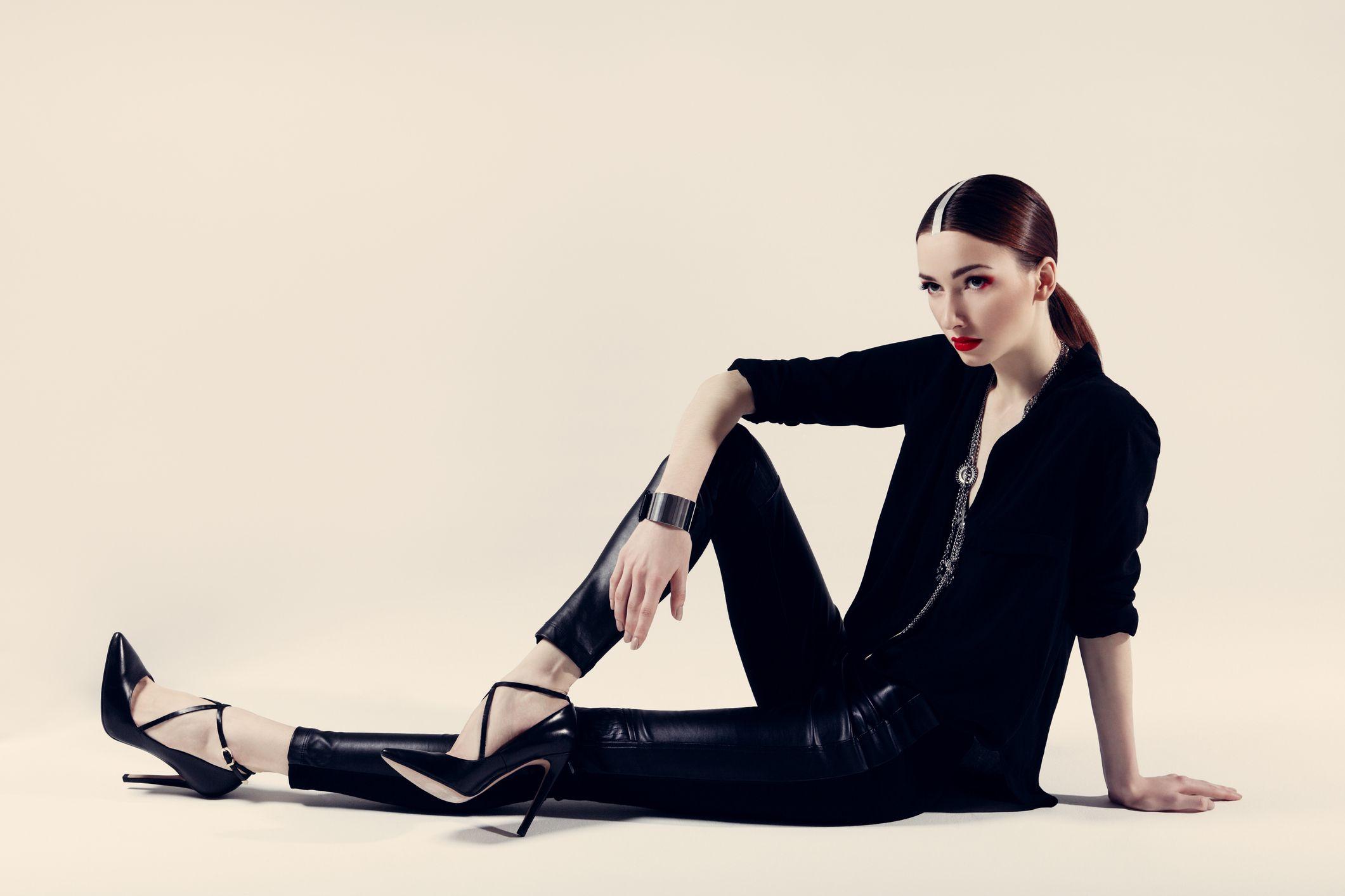 ファッションサービスで、全ての女性の幸せに貢献したい方・新たなものを世に出したい方募集!!