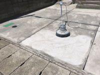 コンクリート床の簡易鏡面仕上仕様。